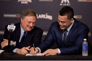 stanton_signing.jpg.size.xxlarge.letterbox